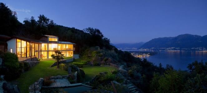 Villa con vista sul lago notte